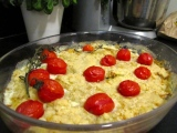 Fennel gratin with cherry tomatoes and crumble pastry